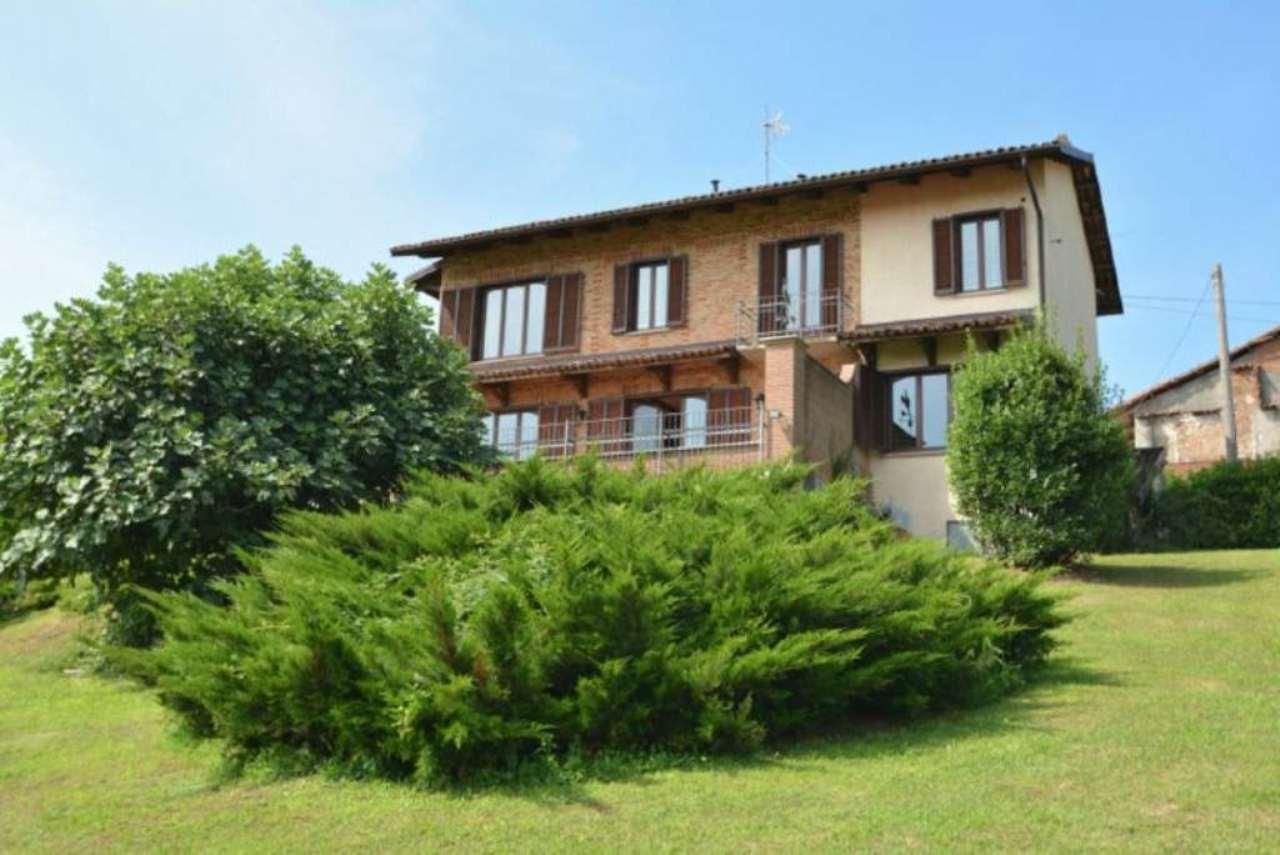 Rustico / Casale in vendita a Montiglio Monferrato, 5 locali, prezzo € 285.000 | CambioCasa.it