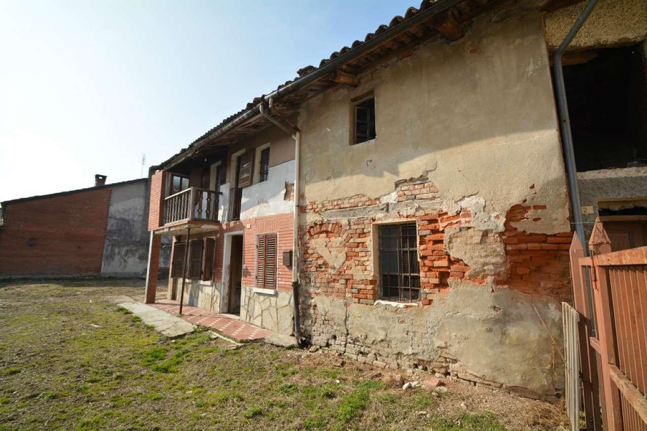 Rustico / Casale in Vendita a San Paolo Solbrito
