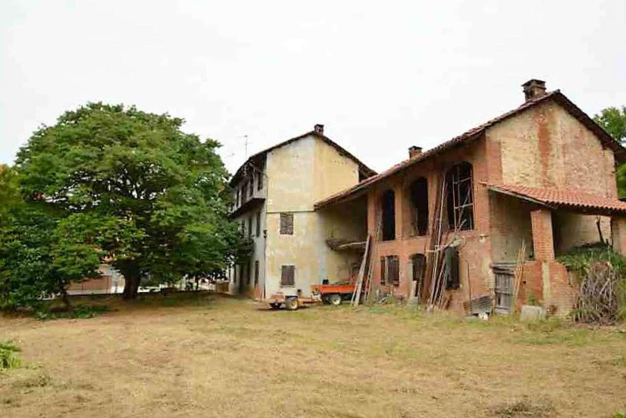 Rustico / Casale in vendita a Castelnuovo Don Bosco, 6 locali, prezzo € 180.000   CambioCasa.it