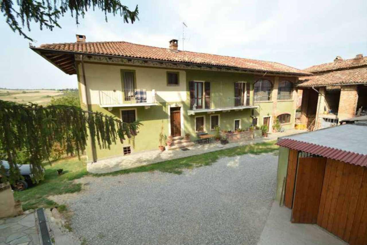 Rustico / Casale in vendita a Piovà Massaia, 5 locali, prezzo € 255.000 | CambioCasa.it