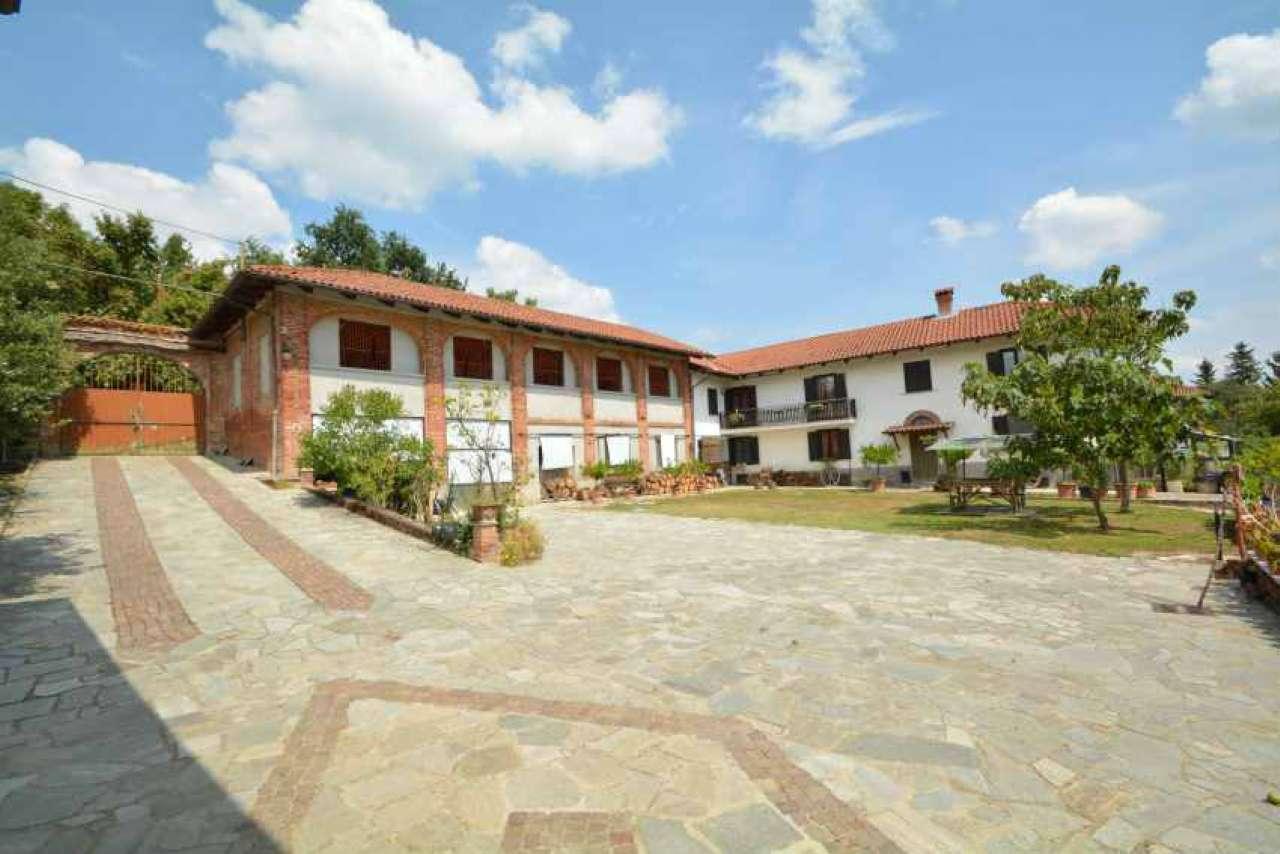 Rustico / Casale in vendita a Maretto, 11 locali, prezzo € 245.000 | CambioCasa.it