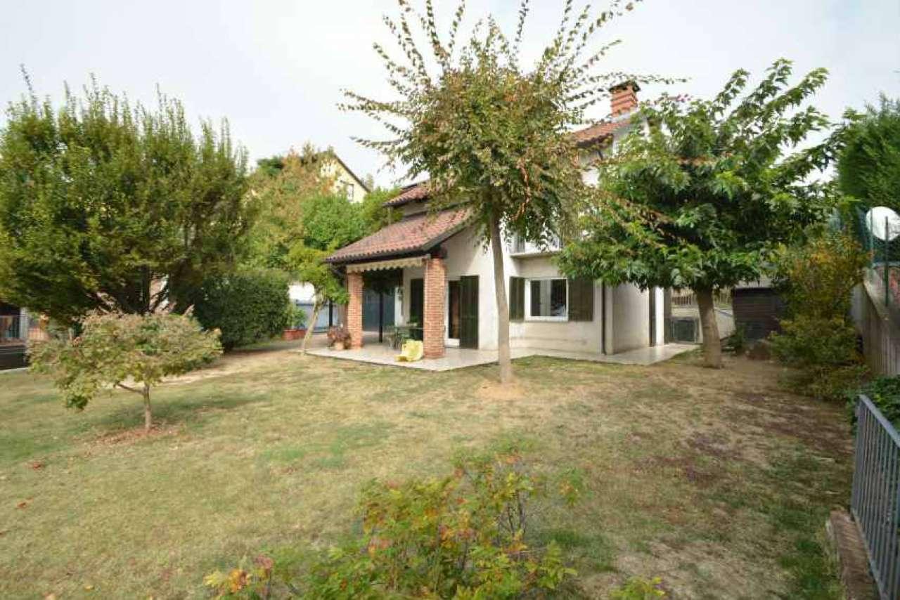 Villa in vendita a Albugnano, 6 locali, prezzo € 230.000 | CambioCasa.it