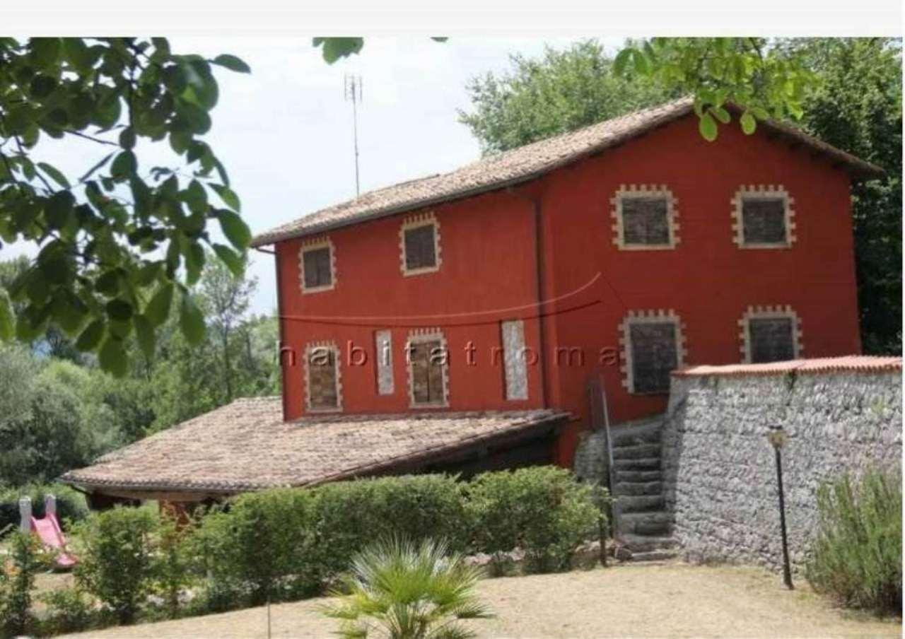 Villa in vendita a Roccagiovine, 7 locali, prezzo € 280.000 | Cambio Casa.it