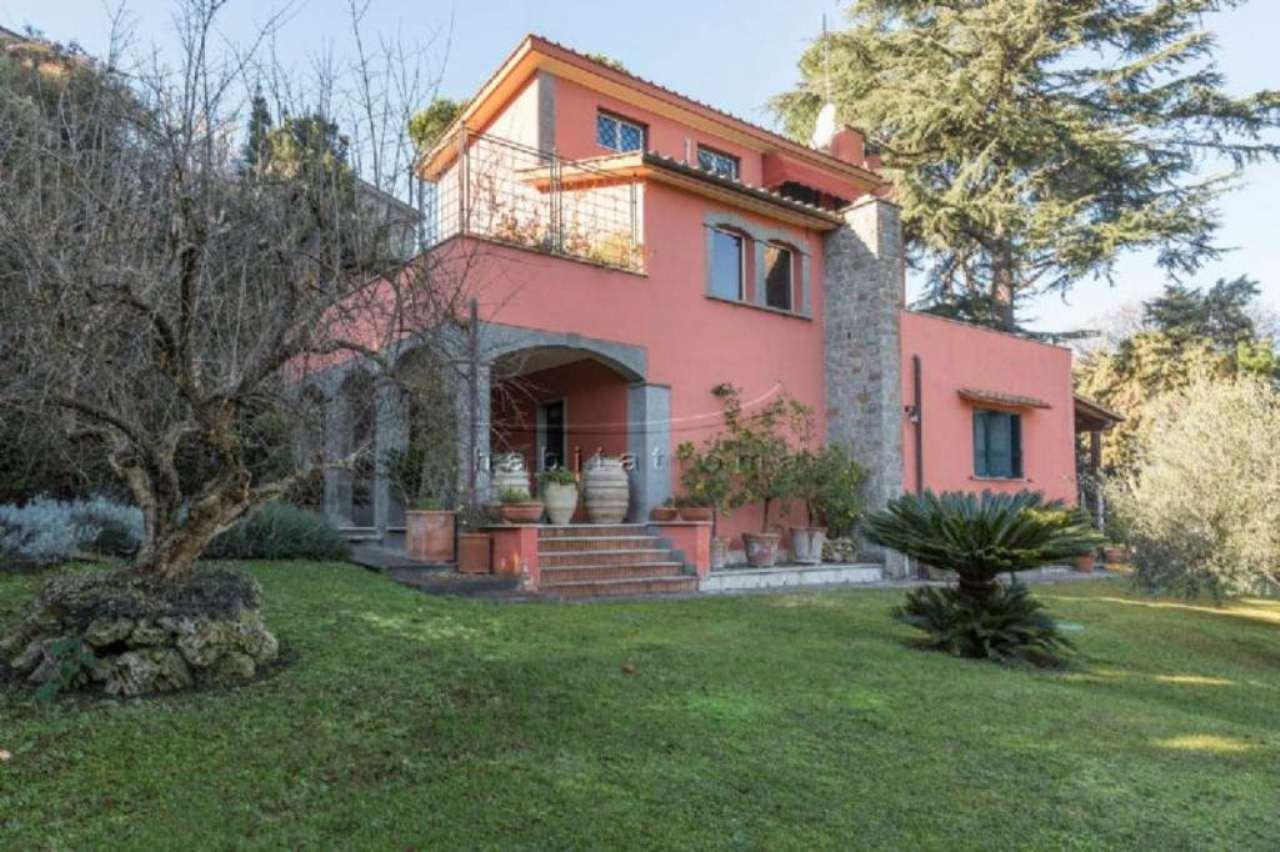 Villa in Vendita a Roma 36 Cassia / Olgiata: 5 locali, 320 mq