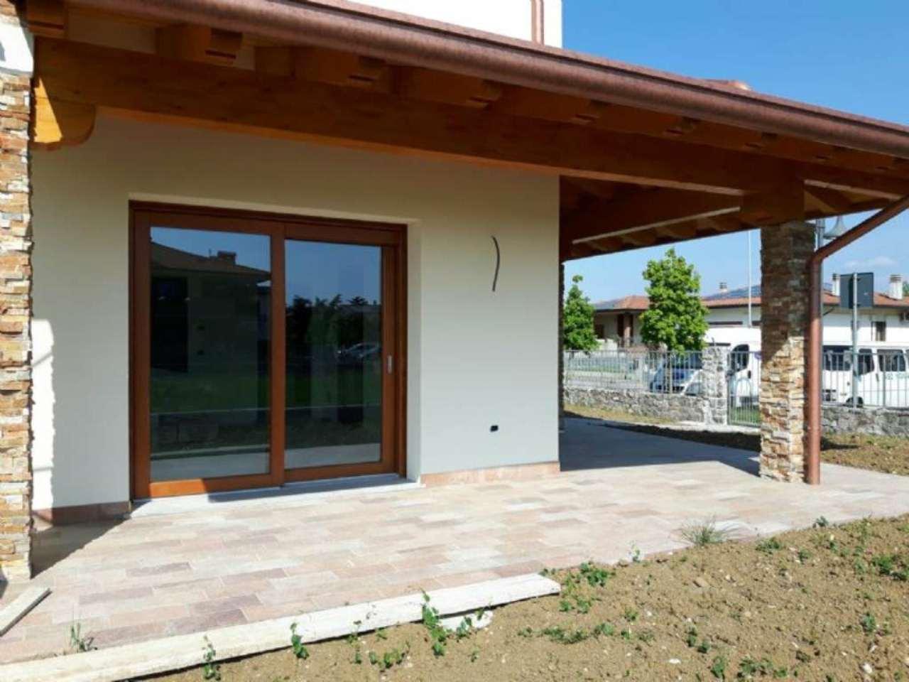 Villa Bifamiliare in vendita a Moimacco, 6 locali, prezzo € 285.000 | Cambio Casa.it