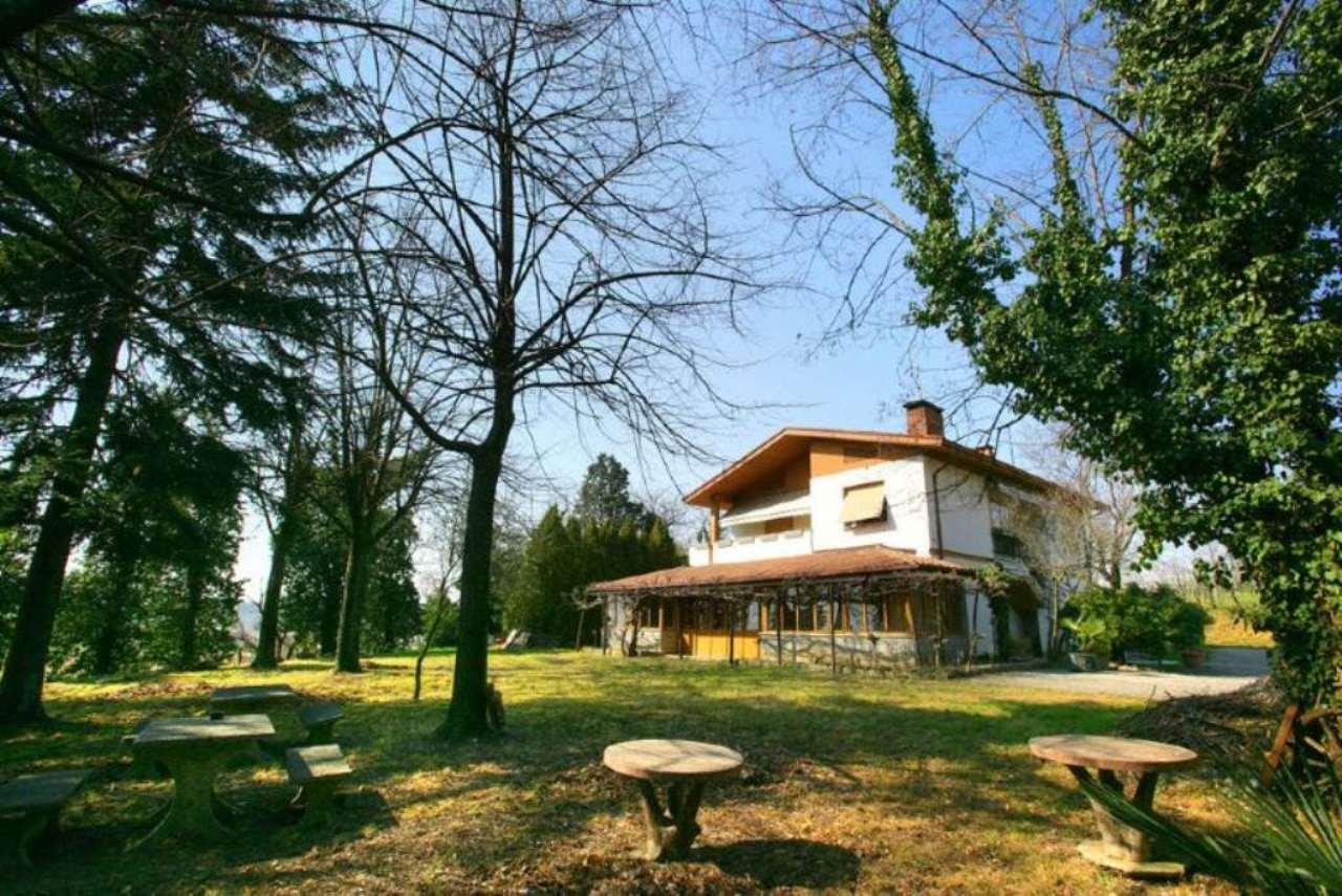 Soluzione Indipendente in vendita a Manzano, 8 locali, prezzo € 252.000 | Cambio Casa.it