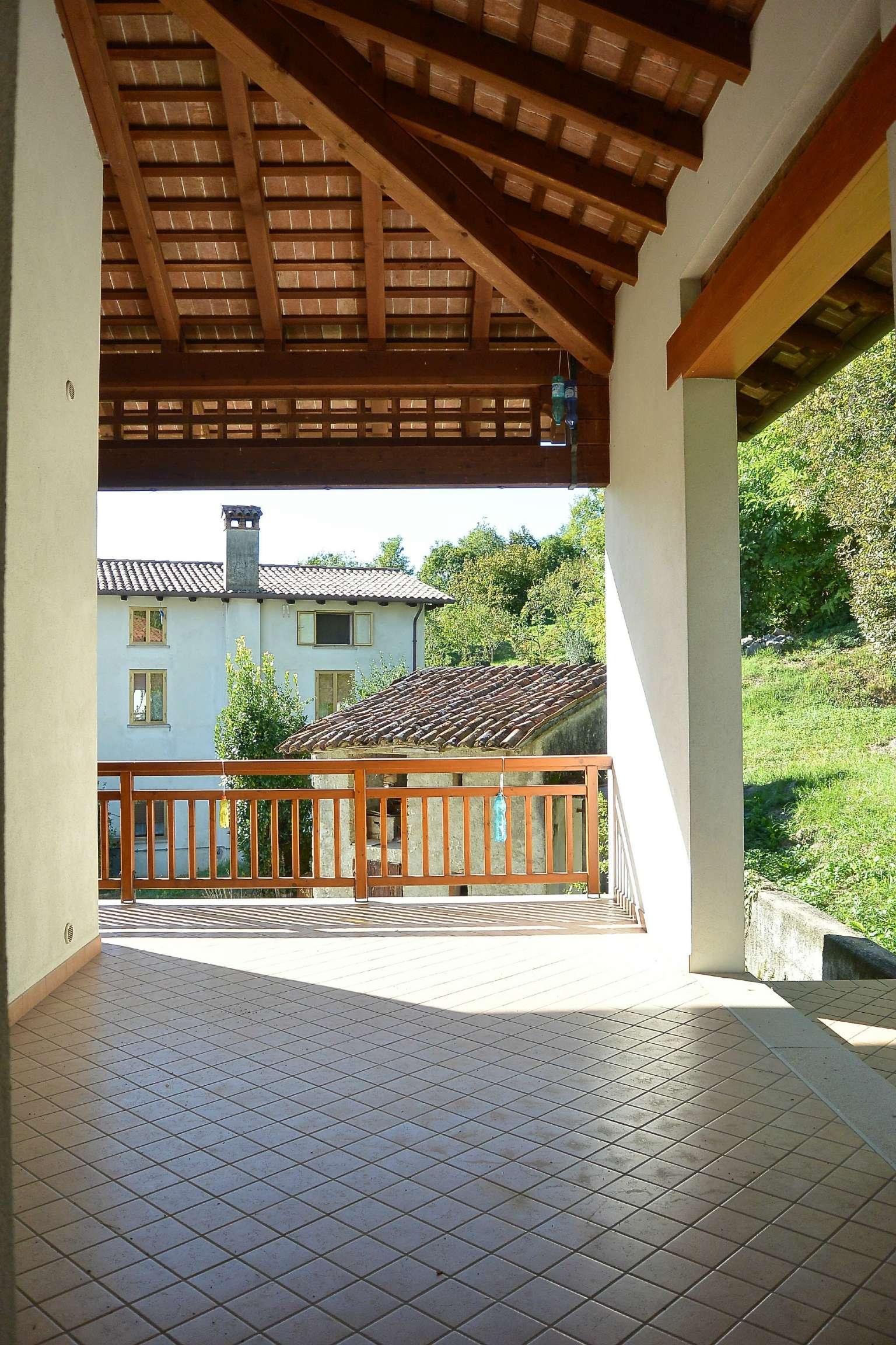 Soluzione Indipendente in vendita a Cividale del Friuli, 8 locali, prezzo € 299.000 | CambioCasa.it