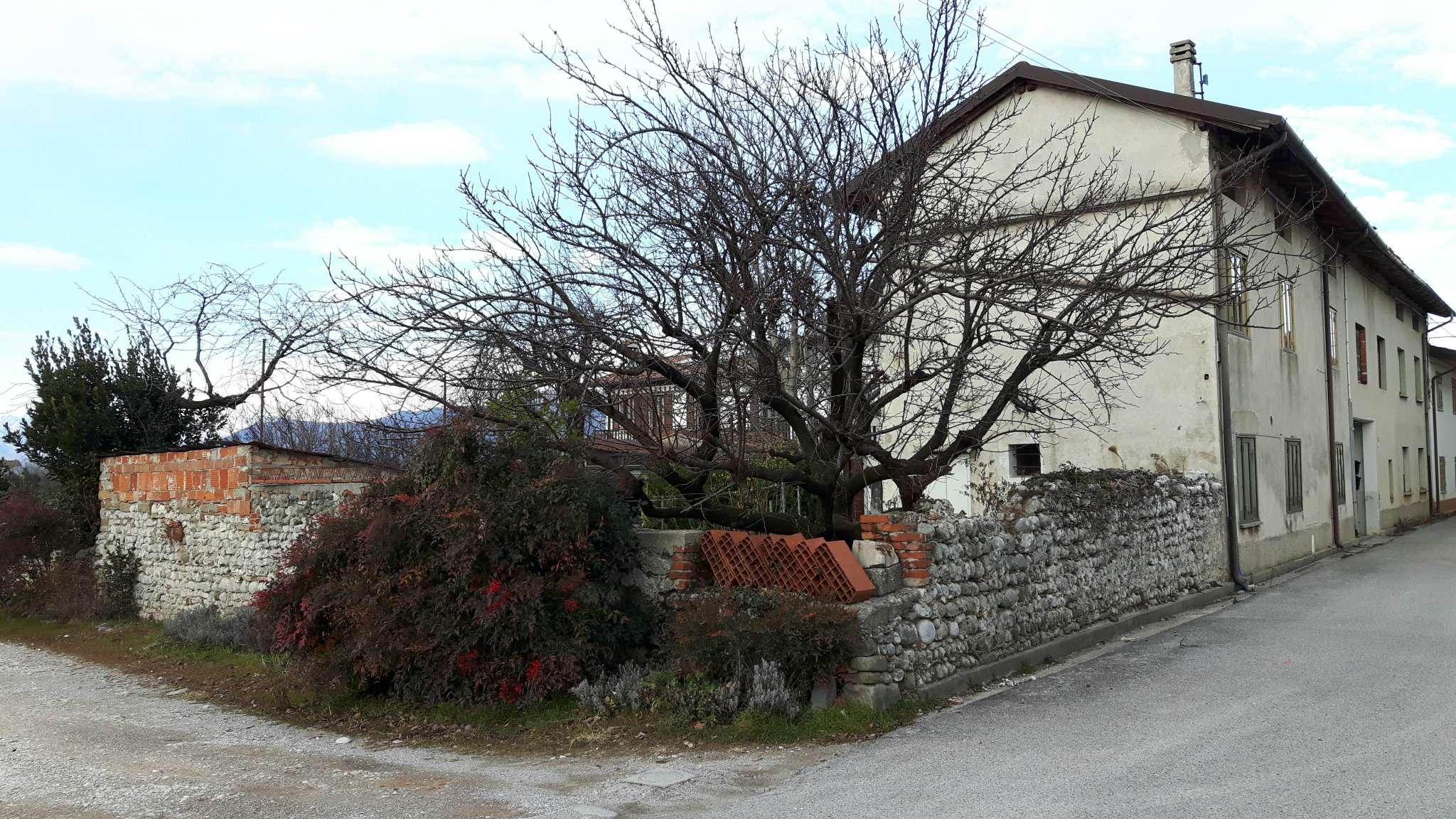 Soluzione Indipendente in vendita a Cividale del Friuli, 5 locali, prezzo € 130.000 | CambioCasa.it