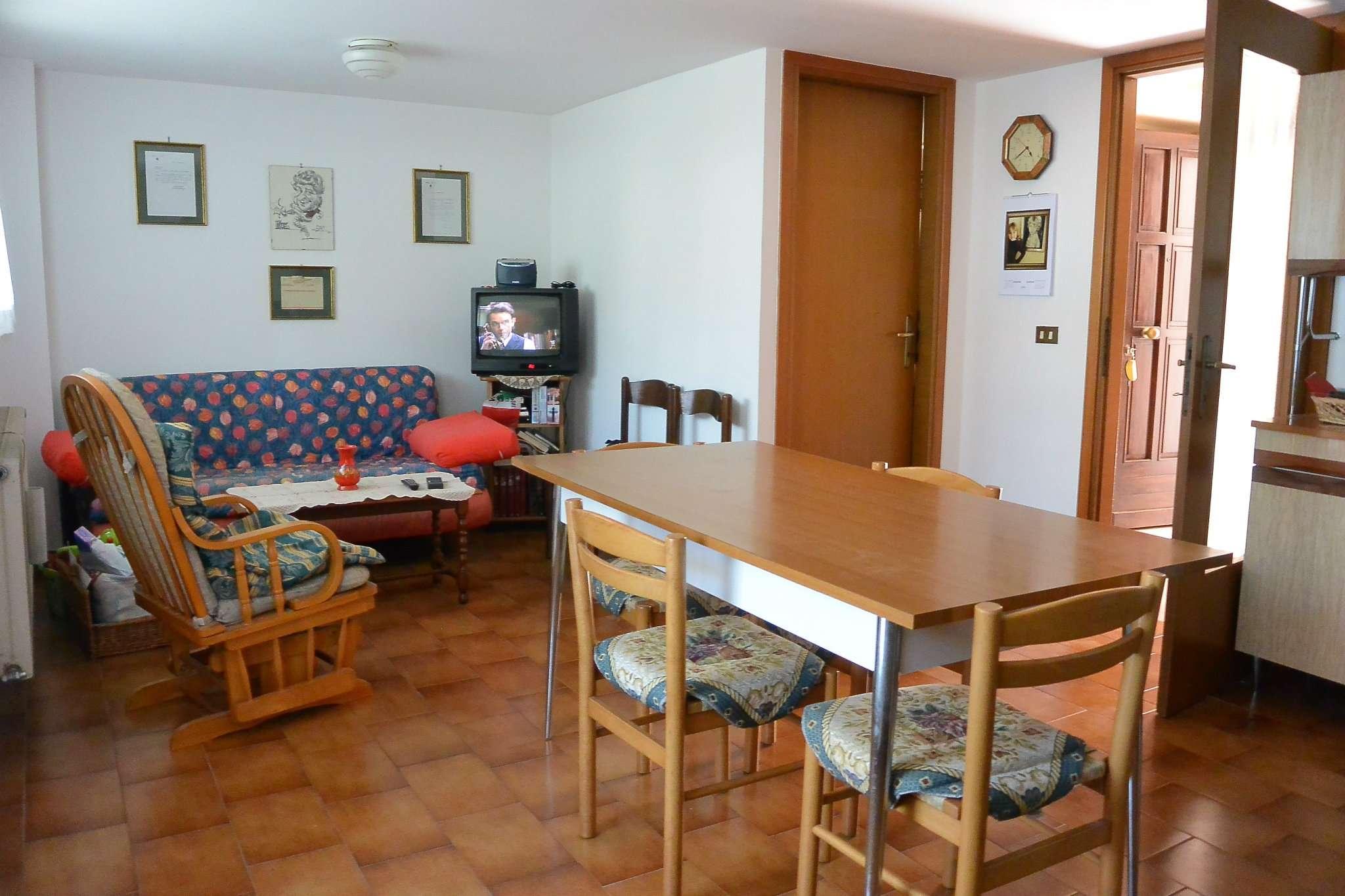 Soluzione Indipendente in vendita a Cividale del Friuli, 10 locali, prezzo € 209.000 | CambioCasa.it