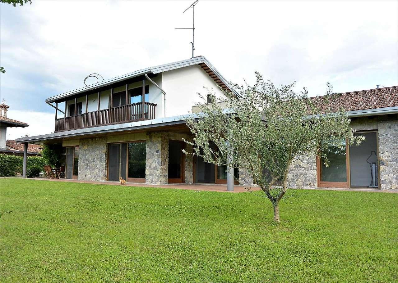 Villa in vendita a Faedis, 7 locali, Trattative riservate | CambioCasa.it