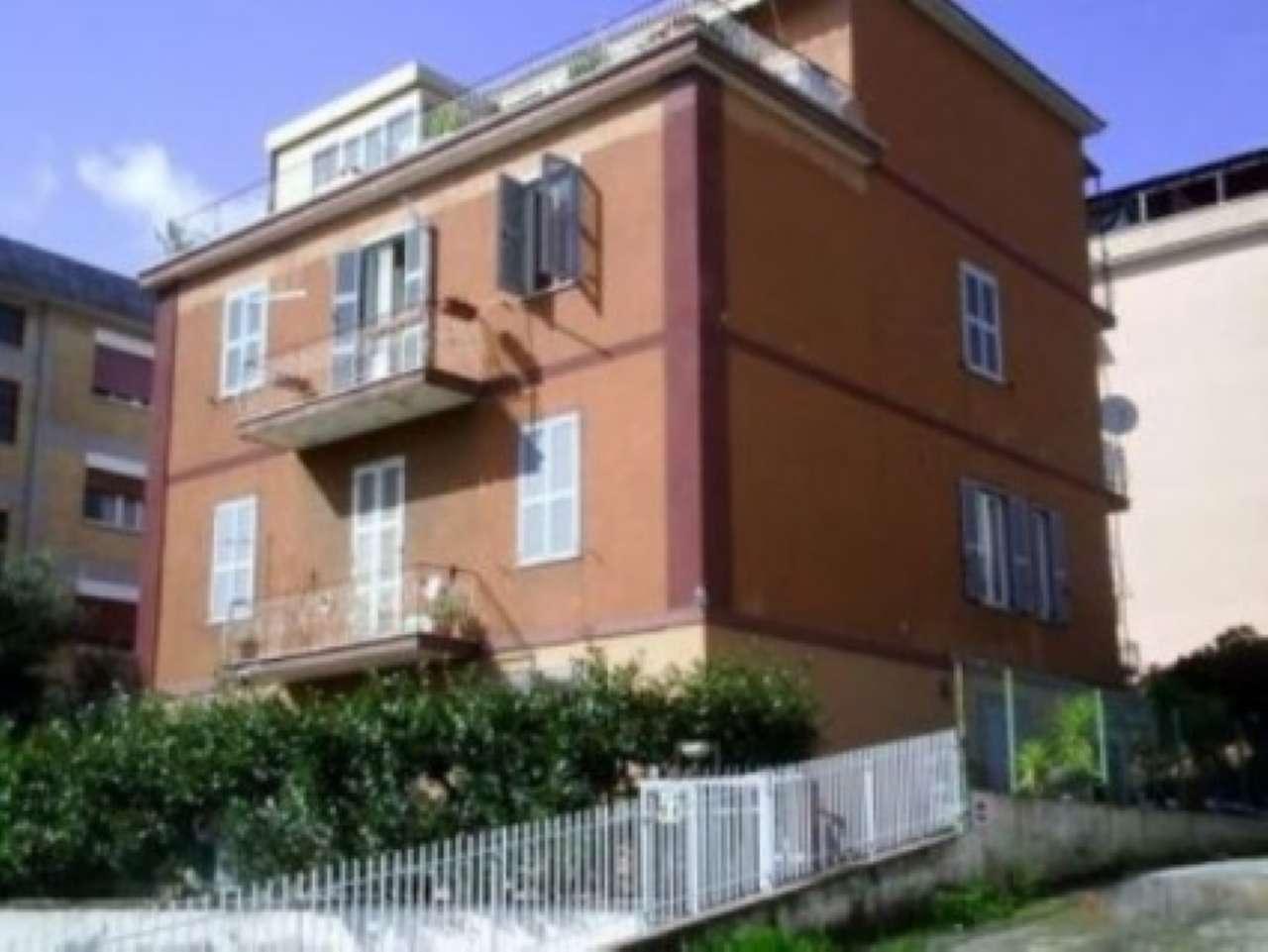 Appartamento in vendita 3 vani 65 mq.  via della Pisana Roma