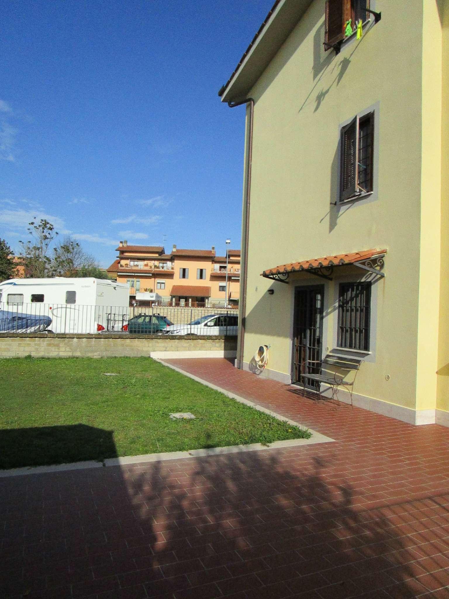 Appartamento in vendita a Anguillara Sabazia, 4 locali, prezzo € 249.000 | Cambio Casa.it