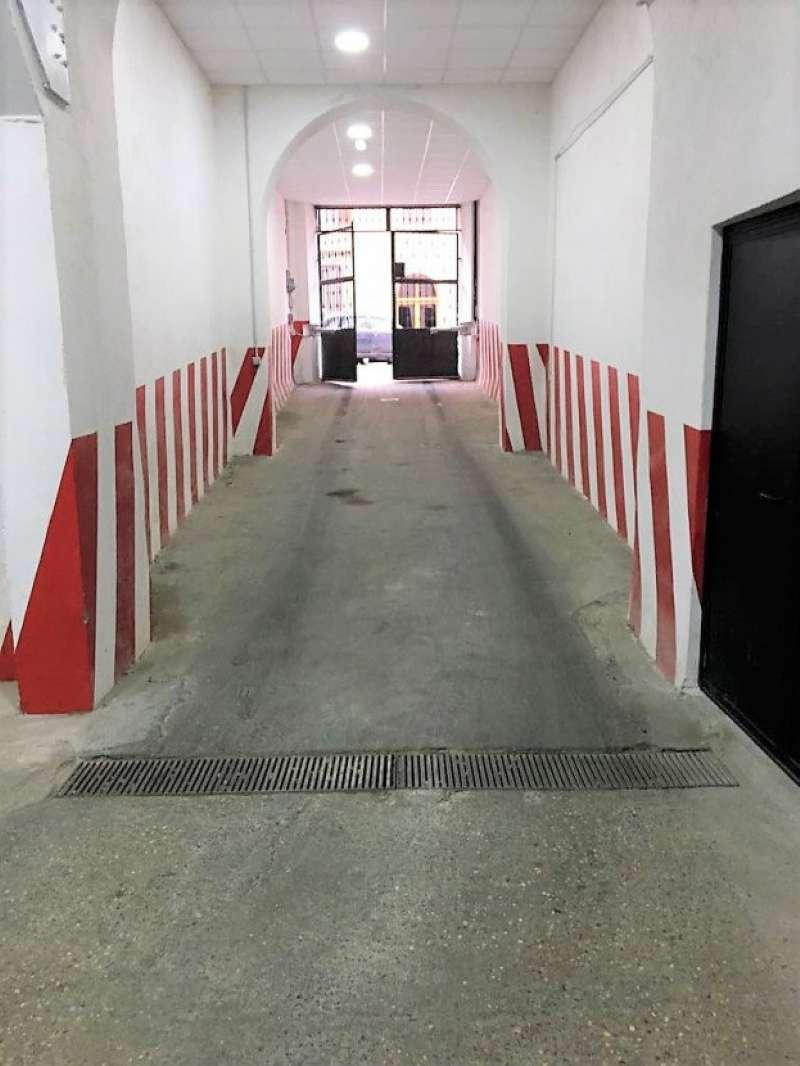 Box / Garage in affitto a Roma, 1 locali, zona Zona: 30 . Prati, Borgo, San Pietro, prezzo € 300 | CambioCasa.it