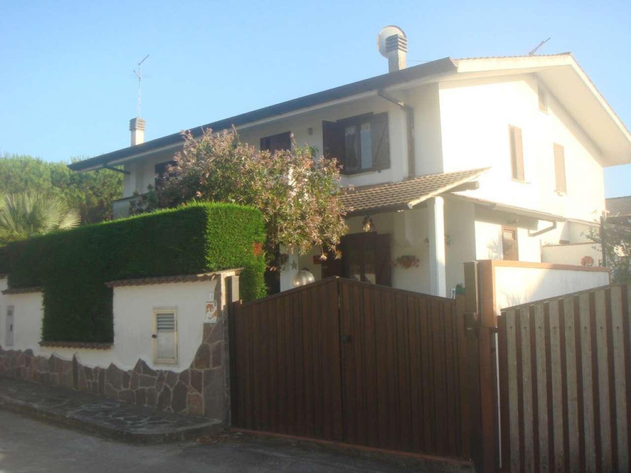 Villa Tri-Quadrifamiliare in Affitto a Sabaudia