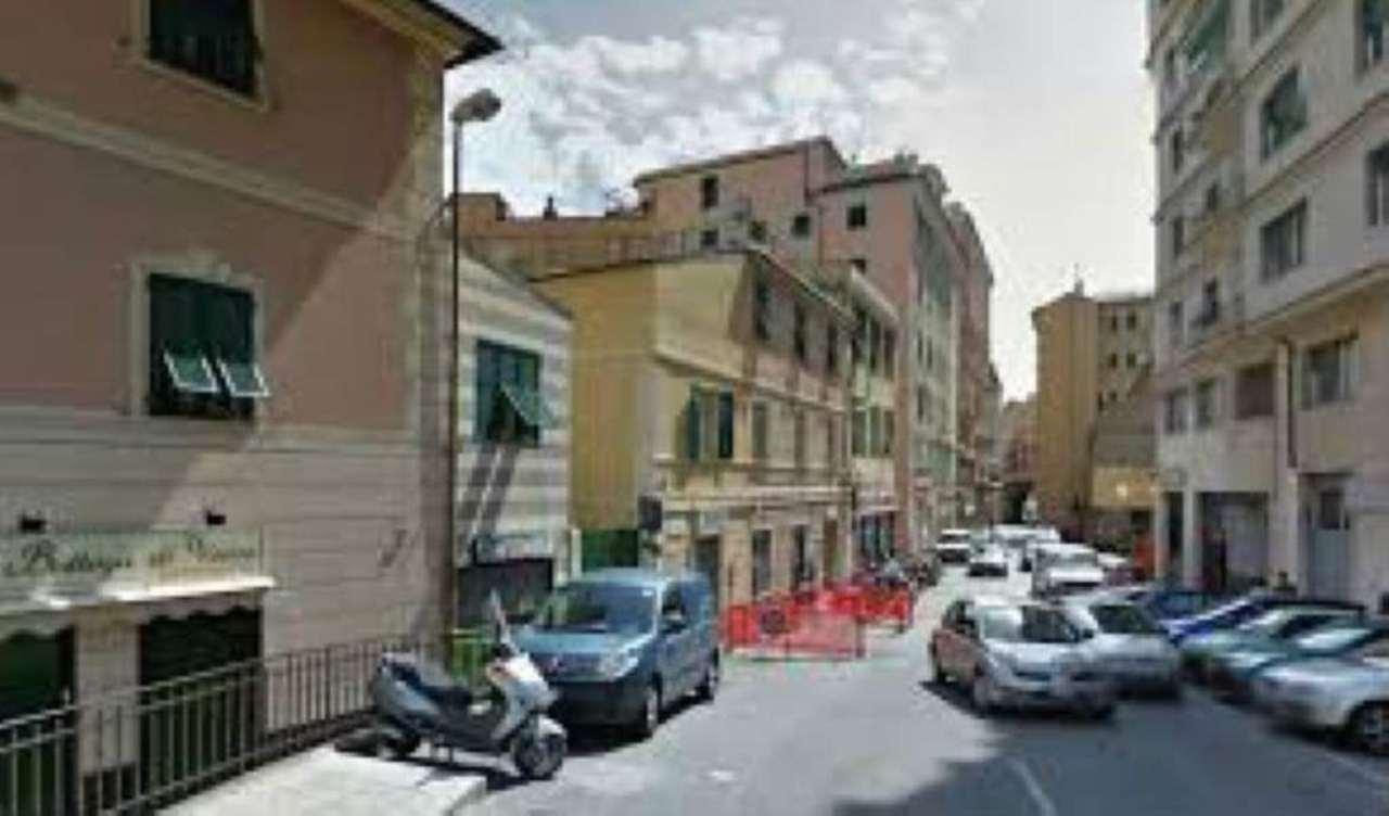 Magazzino in vendita a Genova, 1 locali, zona Zona: 8 . Sampierdarena, Certosa-Rivarolo, Centro Ovest, S.Teodoro, prezzo € 37.000 | Cambio Casa.it
