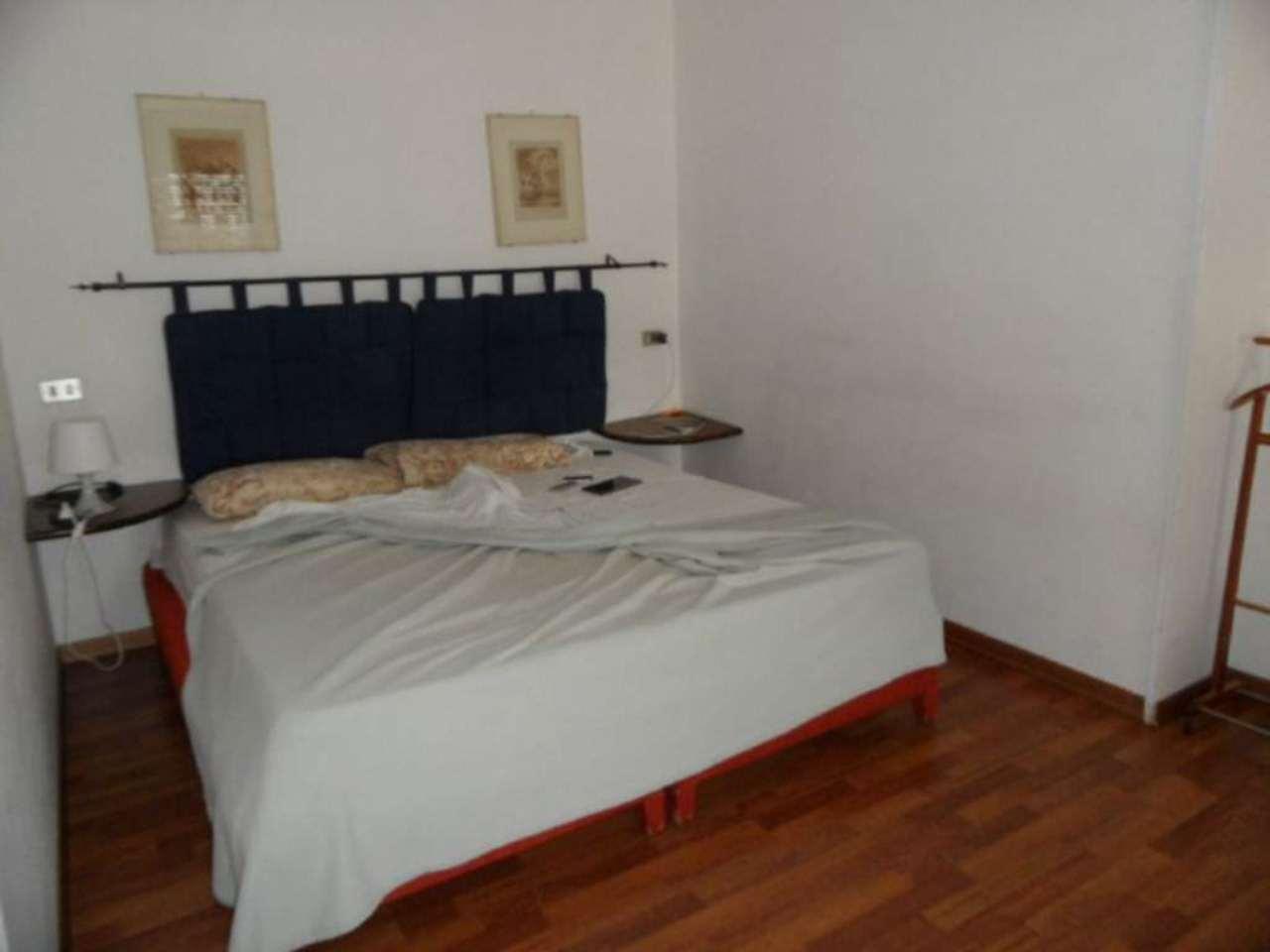 Bilocale Genova Via Cantore 3