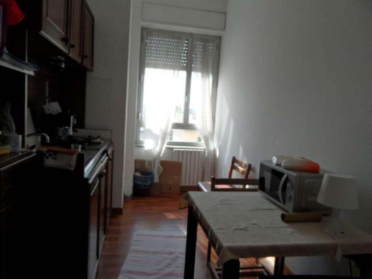 Bilocale Genova Via Cantore 5