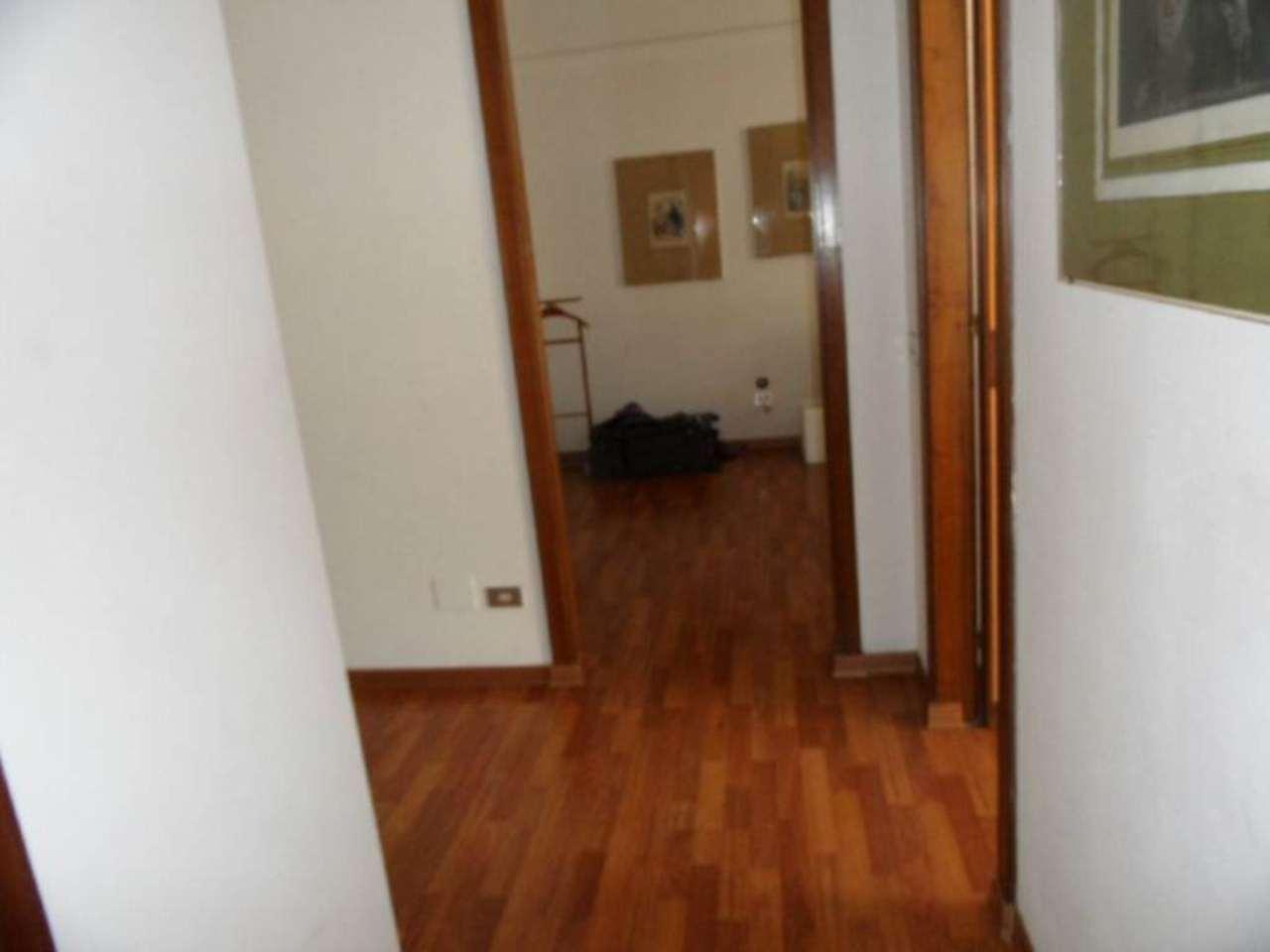 Bilocale Genova Via Cantore 6