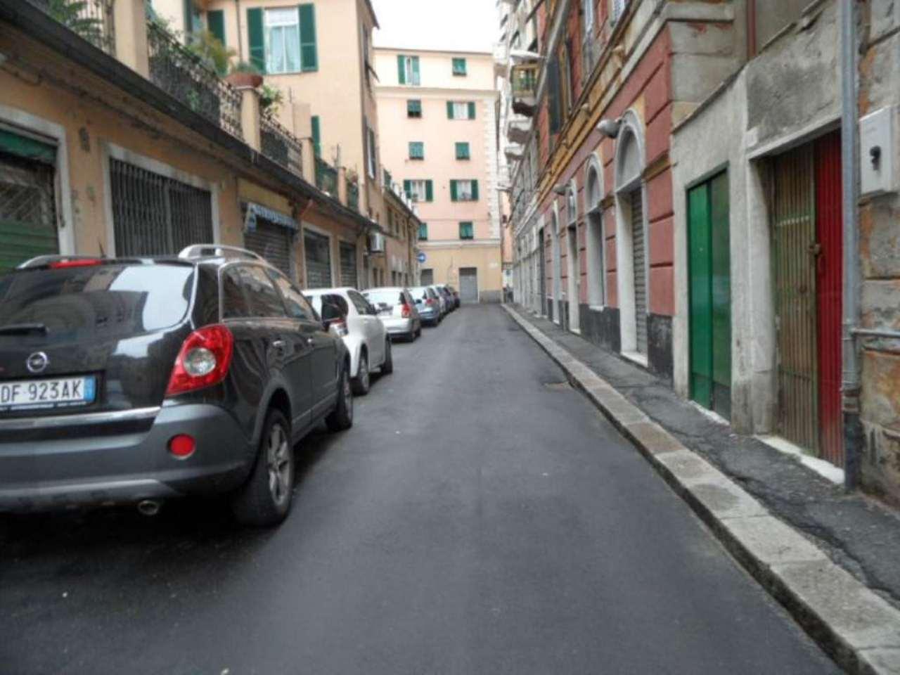 Magazzino in vendita a Genova, 3 locali, zona Zona: 8 . Sampierdarena, Certosa-Rivarolo, Centro Ovest, S.Teodoro, prezzo € 80.000 | Cambio Casa.it