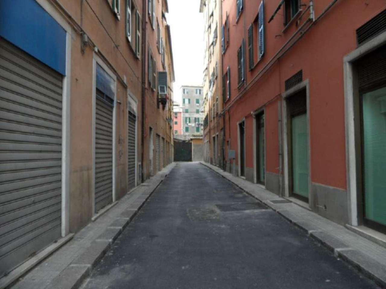 Magazzino in vendita a Genova, 4 locali, zona Zona: 8 . Sampierdarena, Certosa-Rivarolo, Centro Ovest, S.Teodoro, prezzo € 40.000 | Cambio Casa.it
