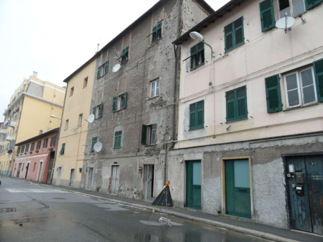 Soluzione Indipendente in vendita a Genova, 5 locali, zona Zona: 9 . Cornigliano, prezzo € 39.000 | Cambio Casa.it