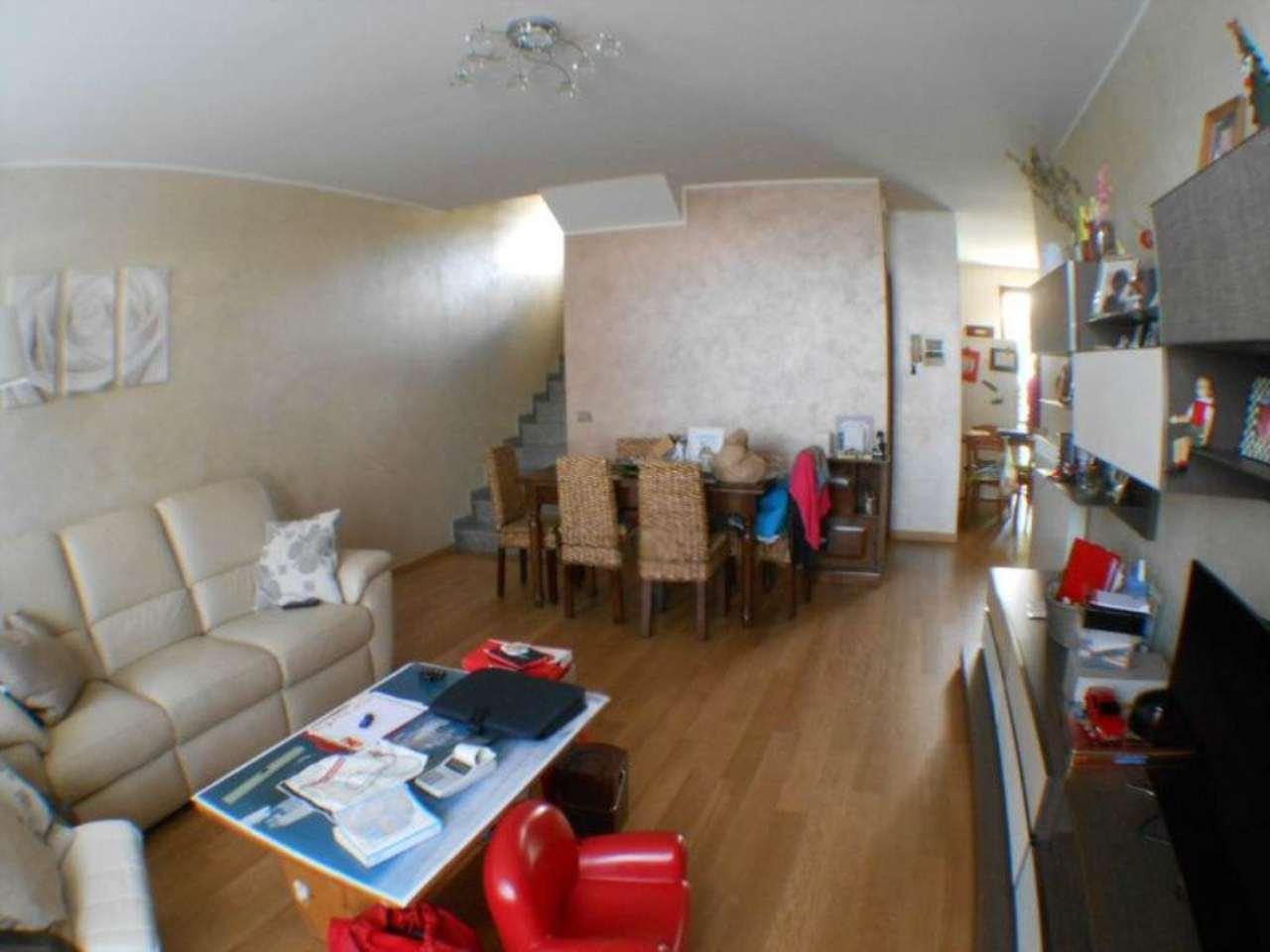 Villa in vendita a Crema in Via Stazione