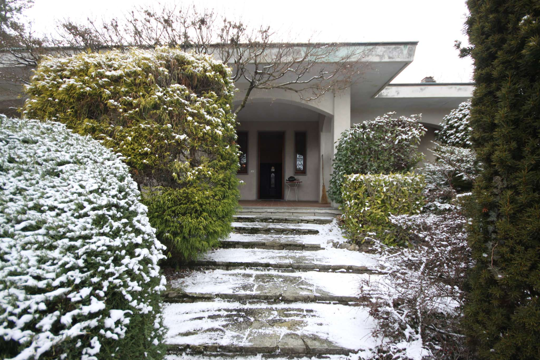 Soluzione Indipendente in vendita a Cossato, 9 locali, prezzo € 275.000 | Cambio Casa.it