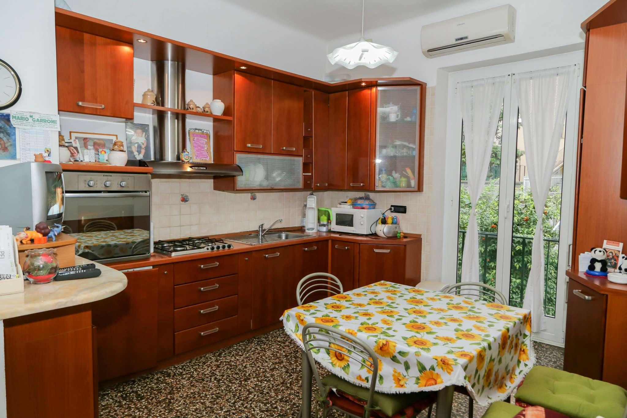 Bilocale Genova Via Maroncelli 1