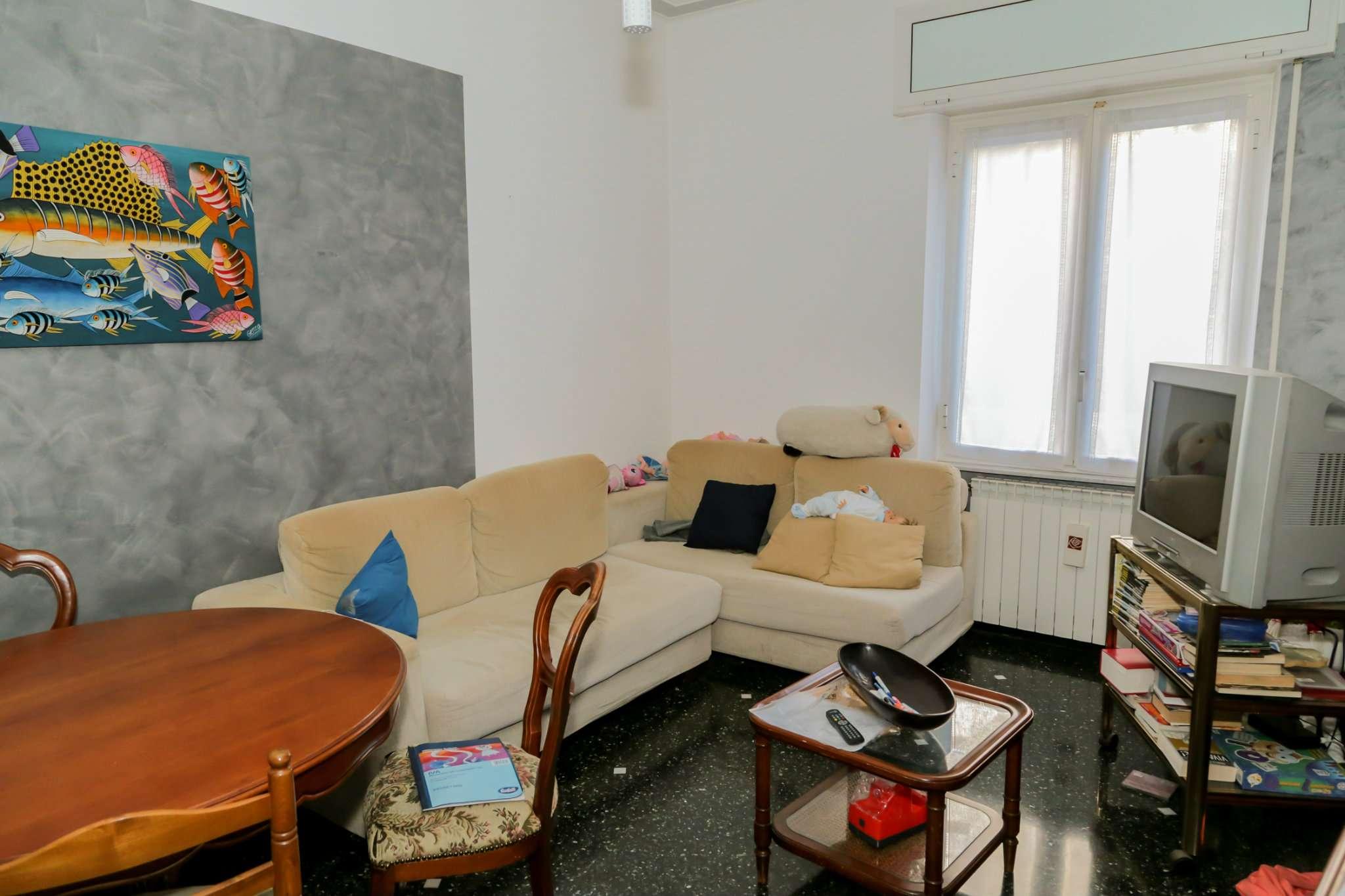 Bilocale Genova Via Sant'alberto 4