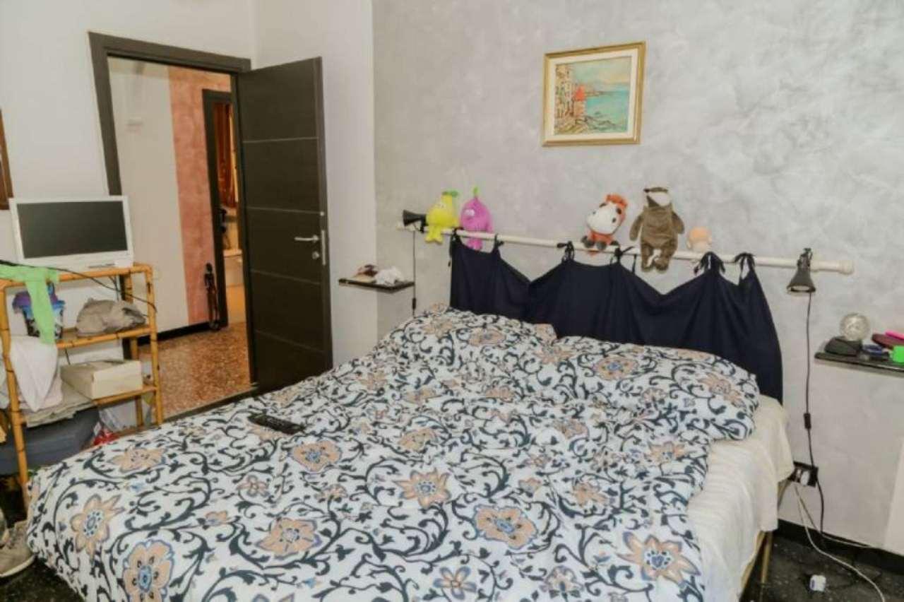 Bilocale Genova Via Sant'alberto 11