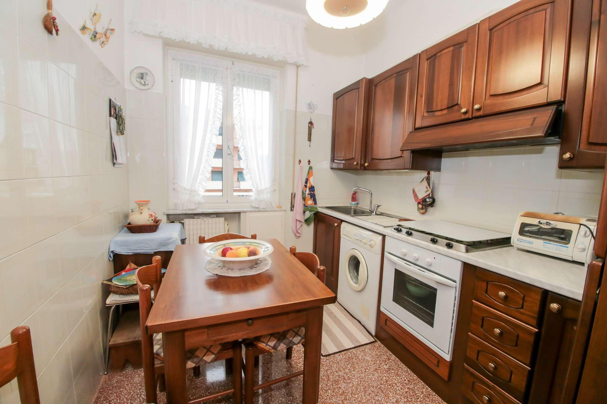 Bilocale Genova Via Traversa Della Costa 6