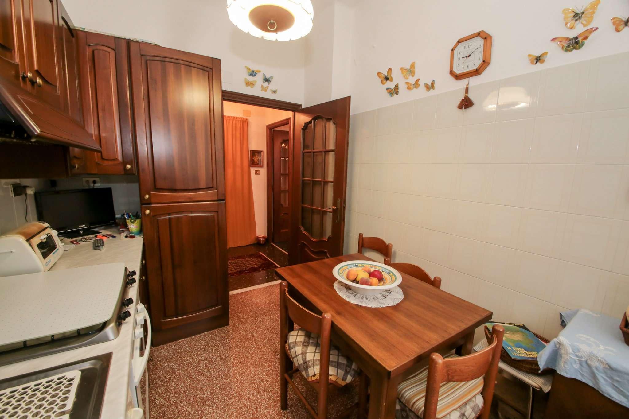 Bilocale Genova Via Traversa Della Costa 8