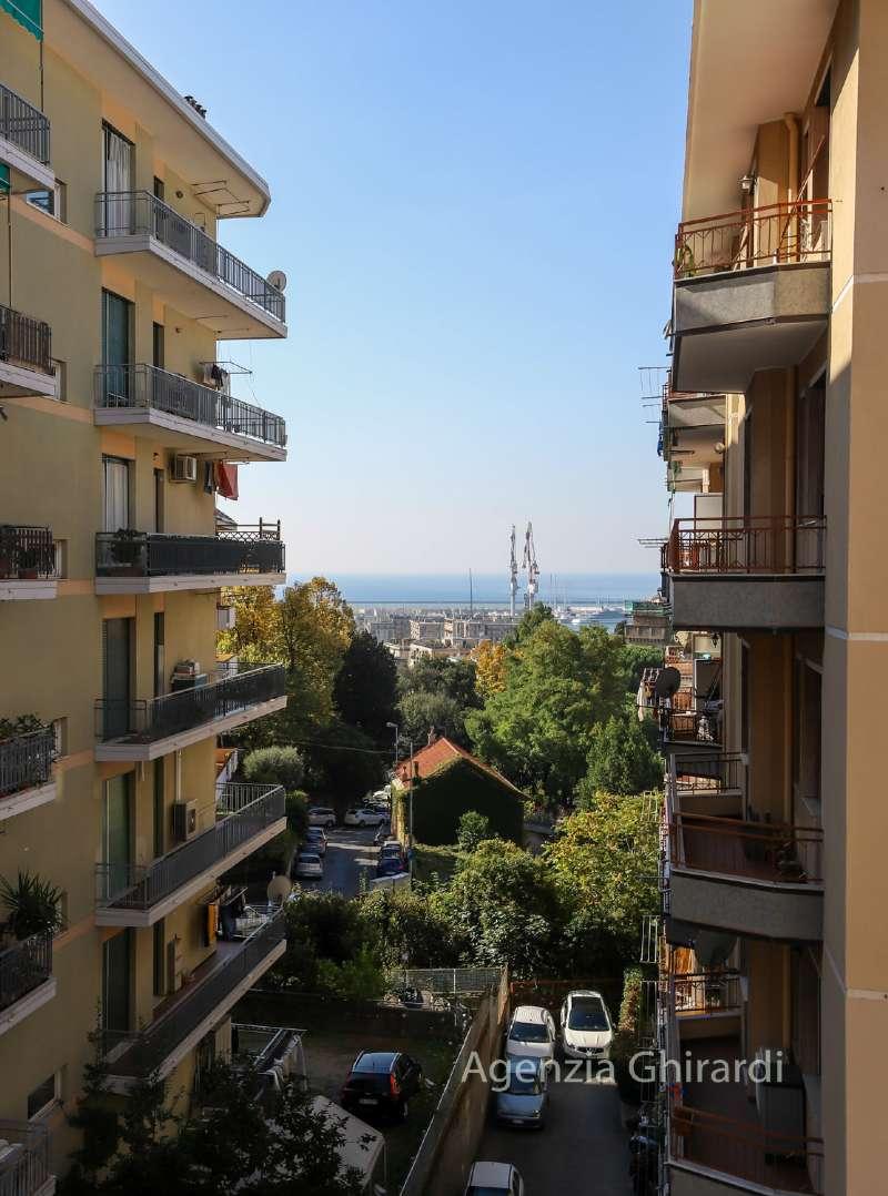 Foto 1 di Quadrilocale via Pian di Forno 28, Genova (zona Sestri Ponente)