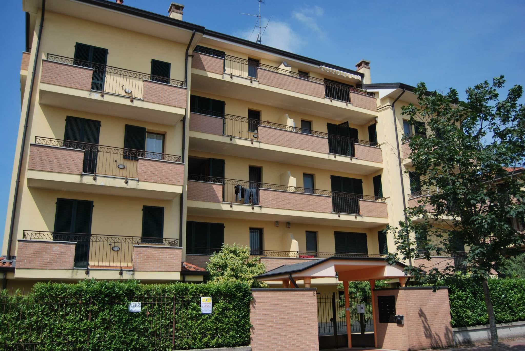 Bilocale Pregnana Milanese Via Trento 3