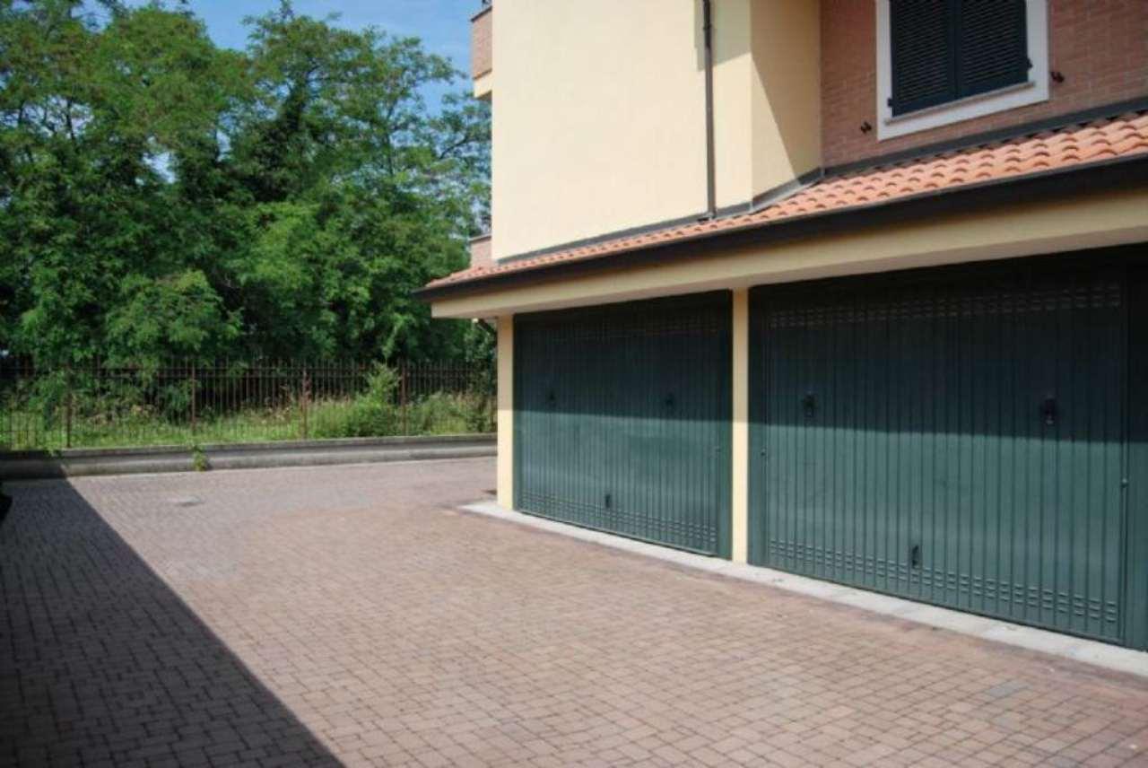 Bilocale Pregnana Milanese Via Trento 13