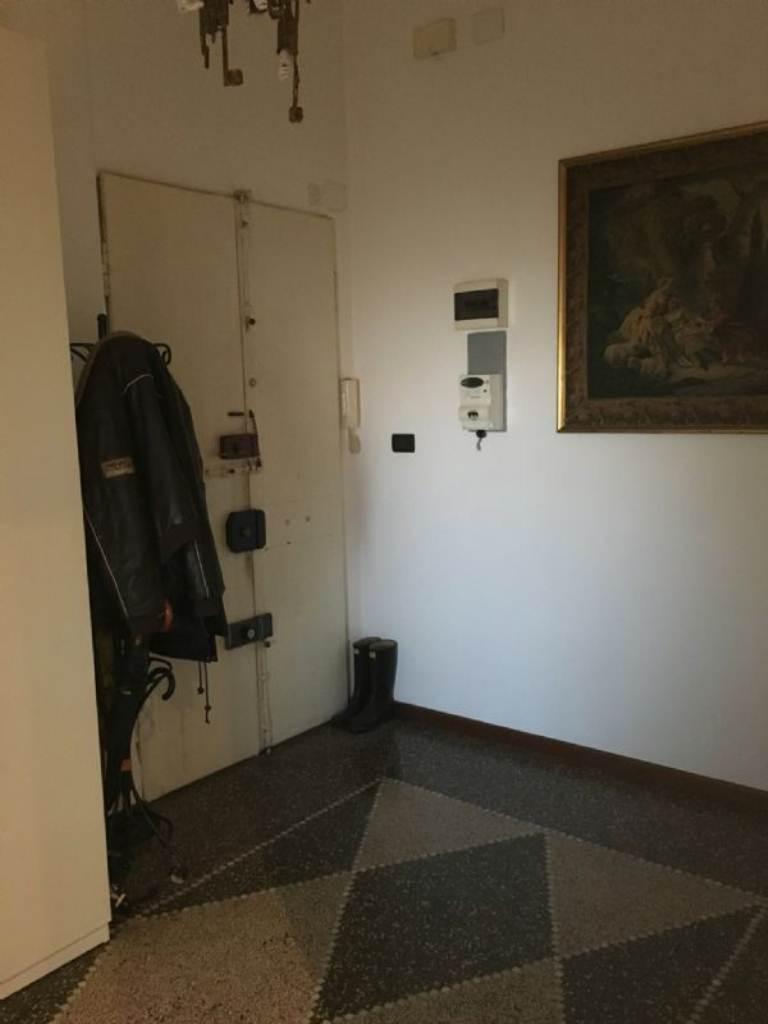Bilocale Genova Via Merano 10