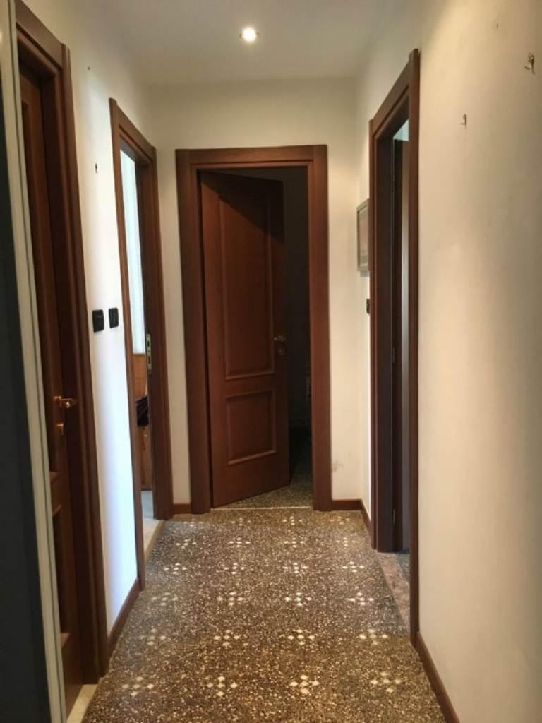 Bilocale Genova Via Merano 11
