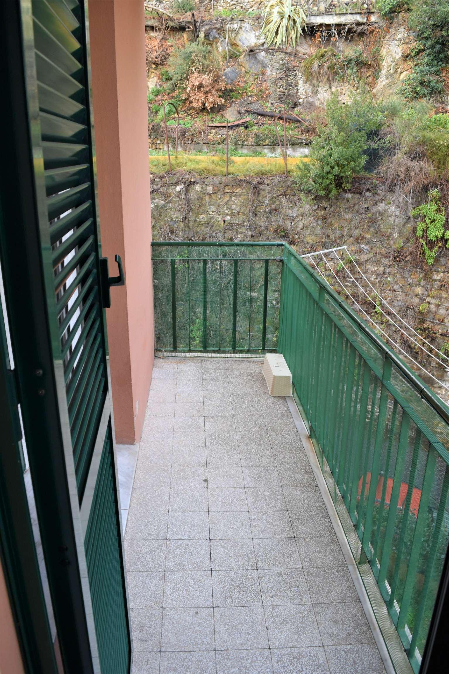 Bilocale Genova Via Imperiale 12