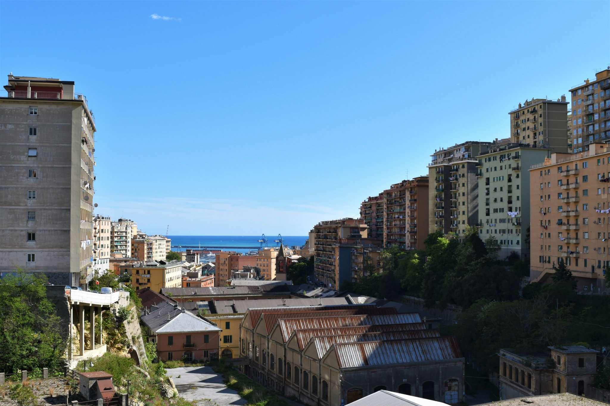 Foto 1 di Trilocale via Napoli, Genova (zona Oregina-Granarolo, Di Negro)