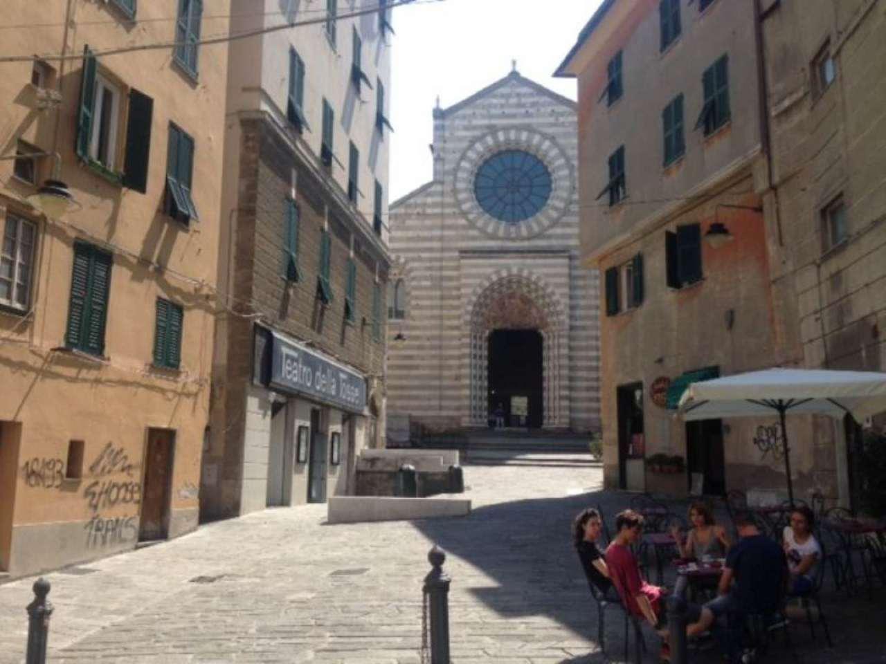 Bilocale Genova Vico Del Teatro Nazionale 2
