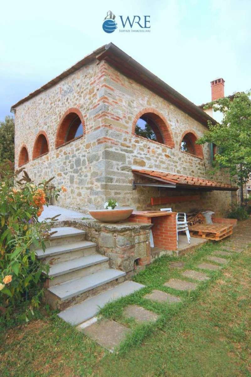 Rustico in vendita a reggello piazzetta del pero for Piani di casa artigiano di 1700 piedi quadrati