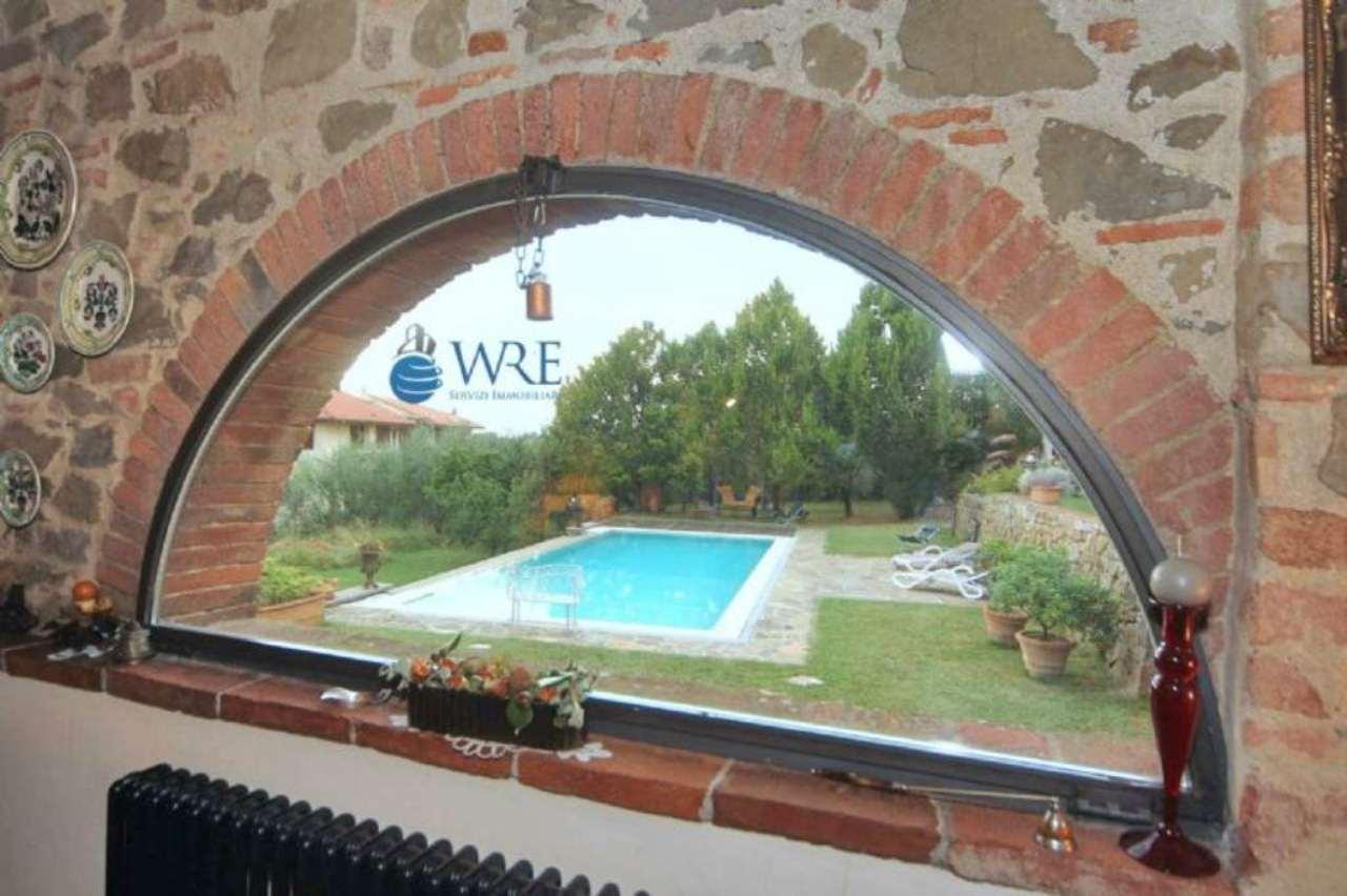 Rustico / Casale in vendita a Reggello, 7 locali, prezzo € 498.000 | Cambio Casa.it