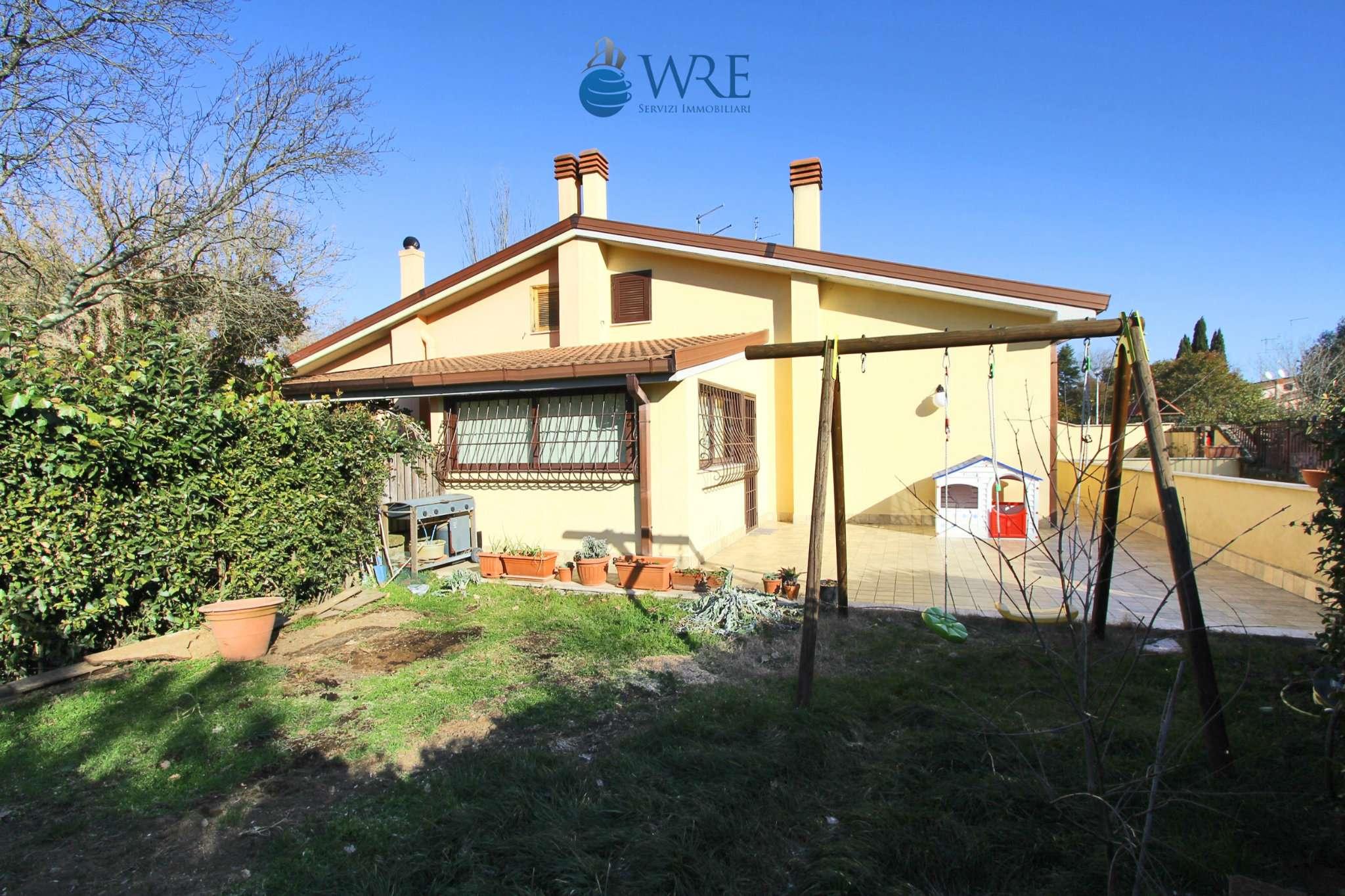 Villa Tri-Quadrifamiliare in Vendita a Nepi