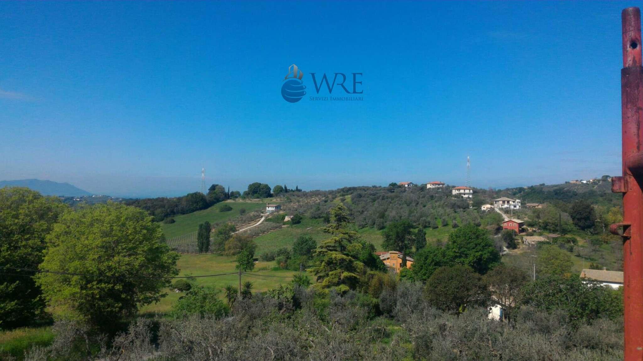 Villa in vendita a Casperia, 15 locali, prezzo € 186.000 | Cambio Casa.it