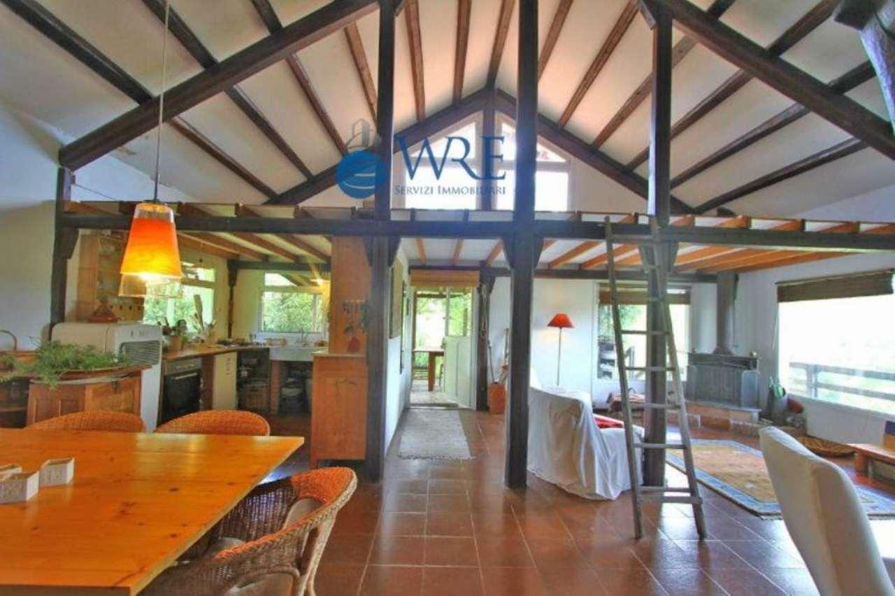 Villa in vendita a Bracciano, 9 locali, prezzo € 485.000 | Cambio Casa.it
