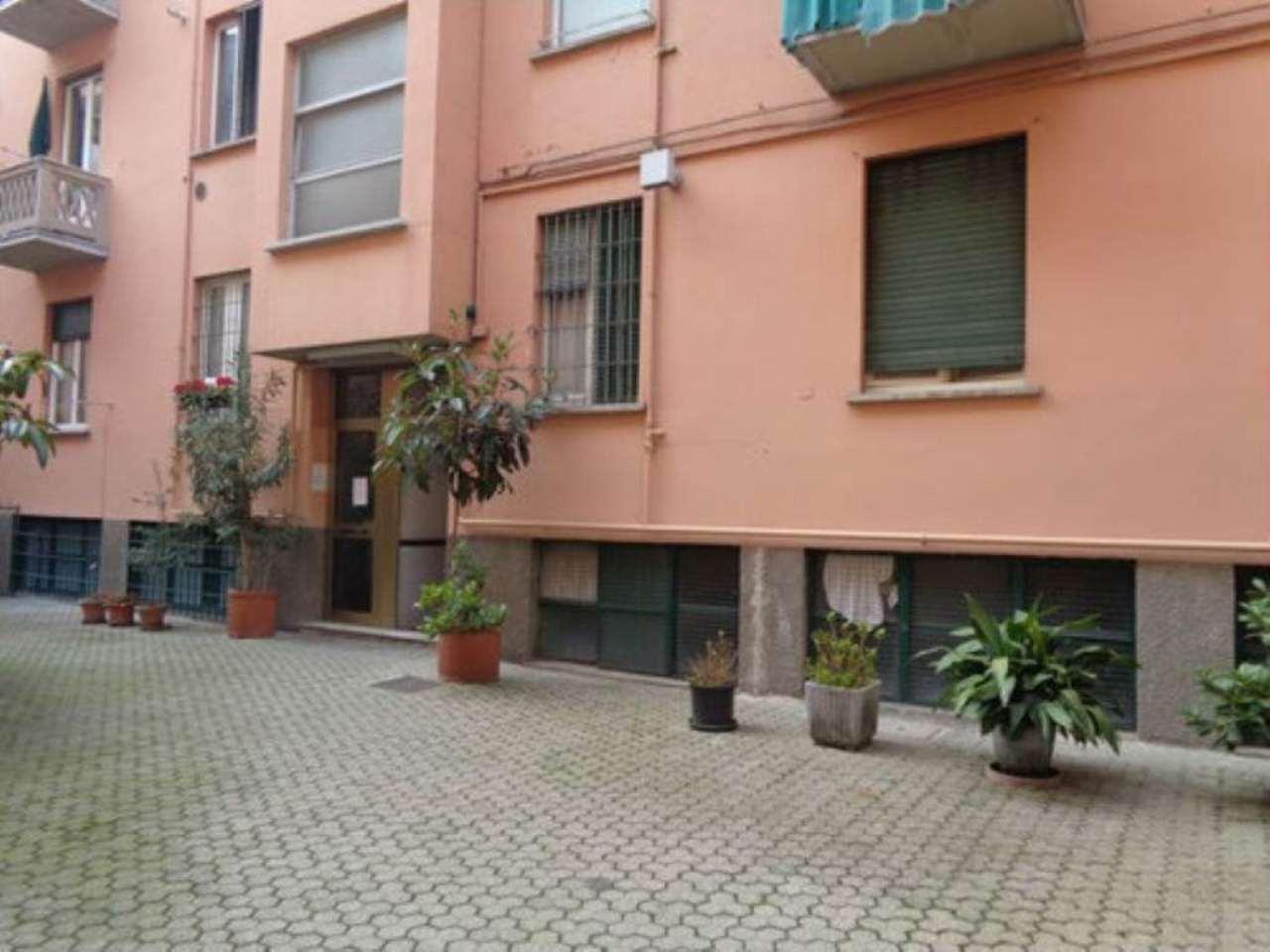 Bilocale Milano Via Sebastiano Del Piombo 1