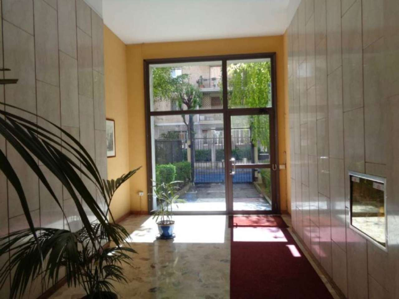 Bilocale Milano Via Antonia Pozzi 13