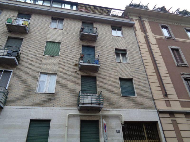 Bilocale Milano Via S. Del Piombo 1