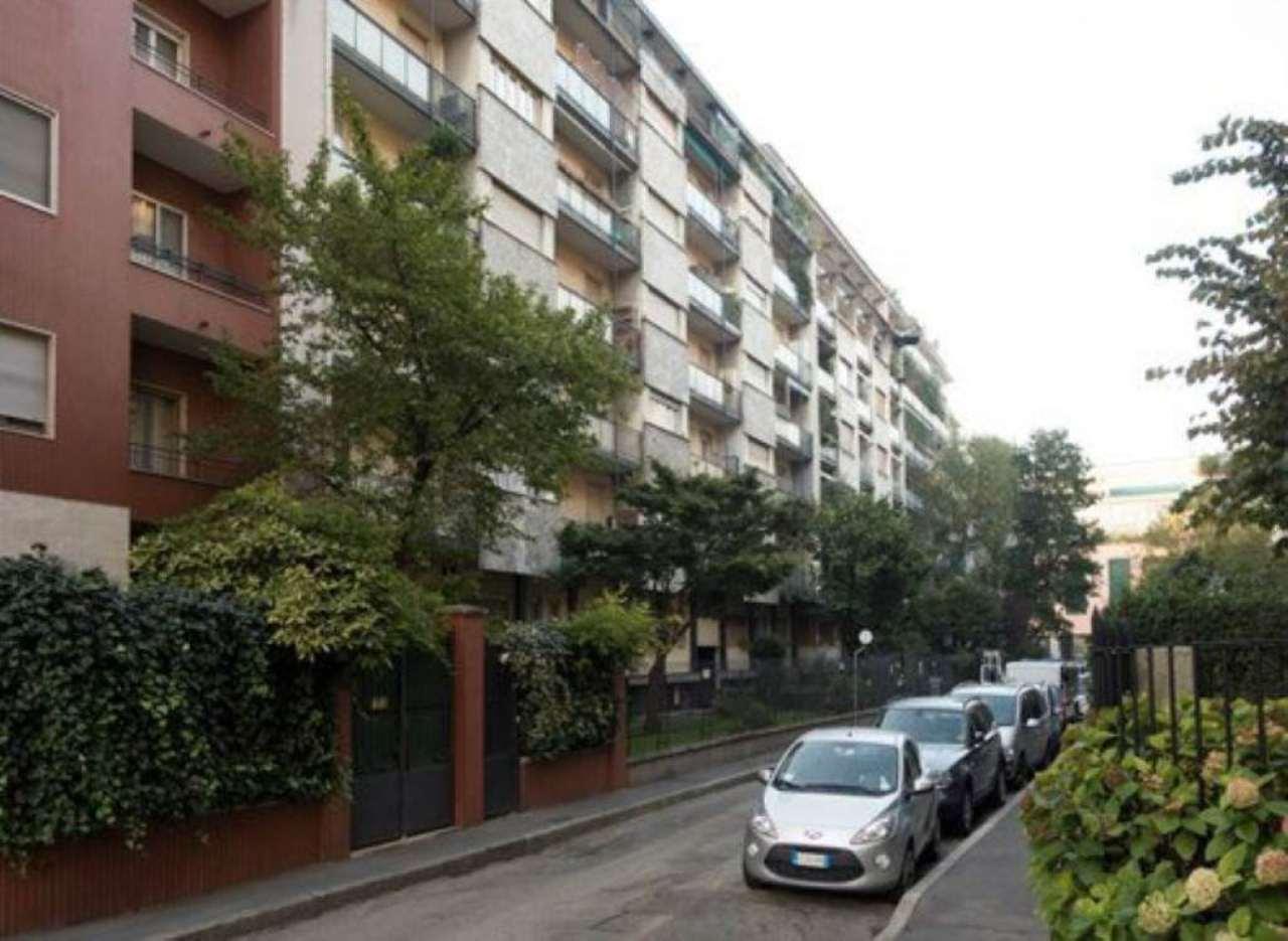 Bilocale Milano Via Biancardi 1