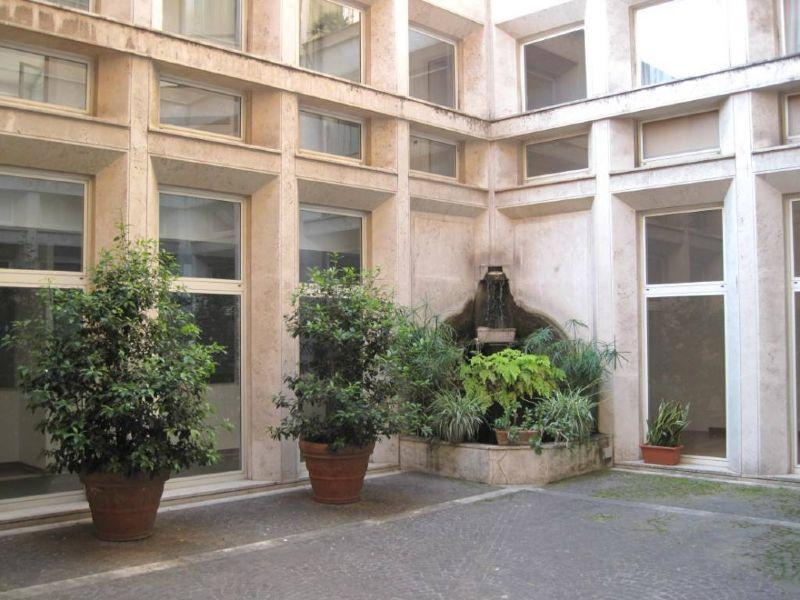 Appartamento in vendita a Roma, 2 locali, zona Zona: 1 . Centro storico, prezzo € 700.000 | Cambiocasa.it